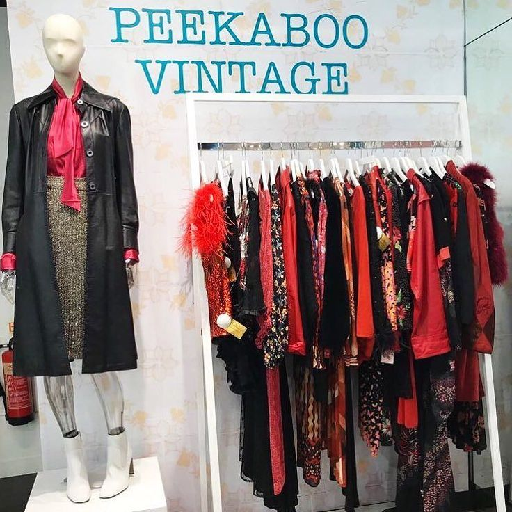 We're loving red in store @topshop Oxford Circus  #peekaboo #vintage #topshop #oxfordstreet #oxfordcircus #london #shopping #style #fashion #red #newin #peekaboovintage # Peekaboovintage.com