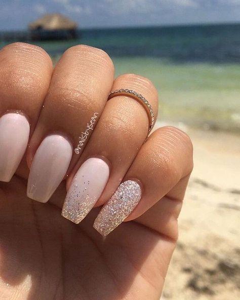 nail art été couleur nude paillettes