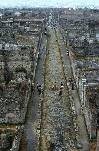 Pompeii, 1980 - En 2008 seguían excavando y buscando cosas.