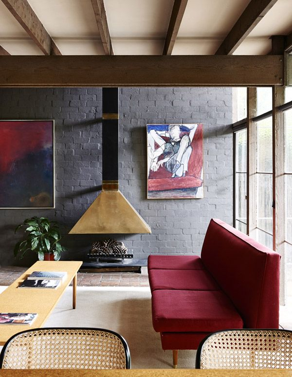 Gray and burgundy: Melbourne Home · Walsh St House by Robin Boyd