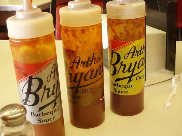 After buying Arthur Bryant's rib-rub i thought i would try to find a recipe of the famous AB sauce. Couldn't find much on the web, but...