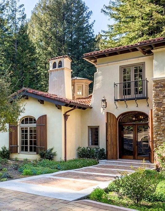 55 gorgeous house stone revival style ideas stone for Spanish revival exterior paint colors