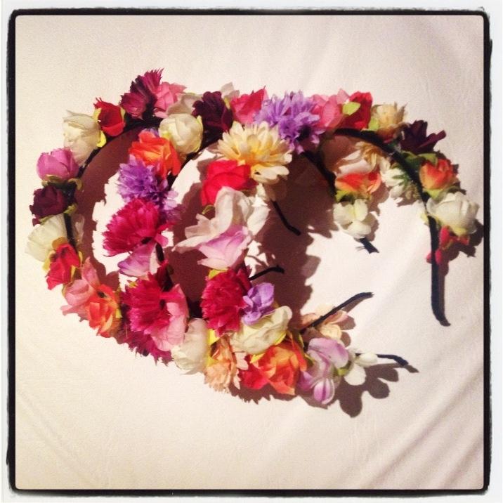 Vinchas Cancún# próximos diseños en locura propia # vinchas de Flores # moda verano 2014