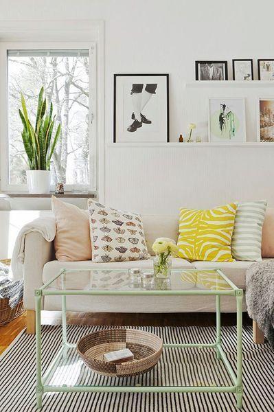 Petit salon contemporain avec pastel scandinave