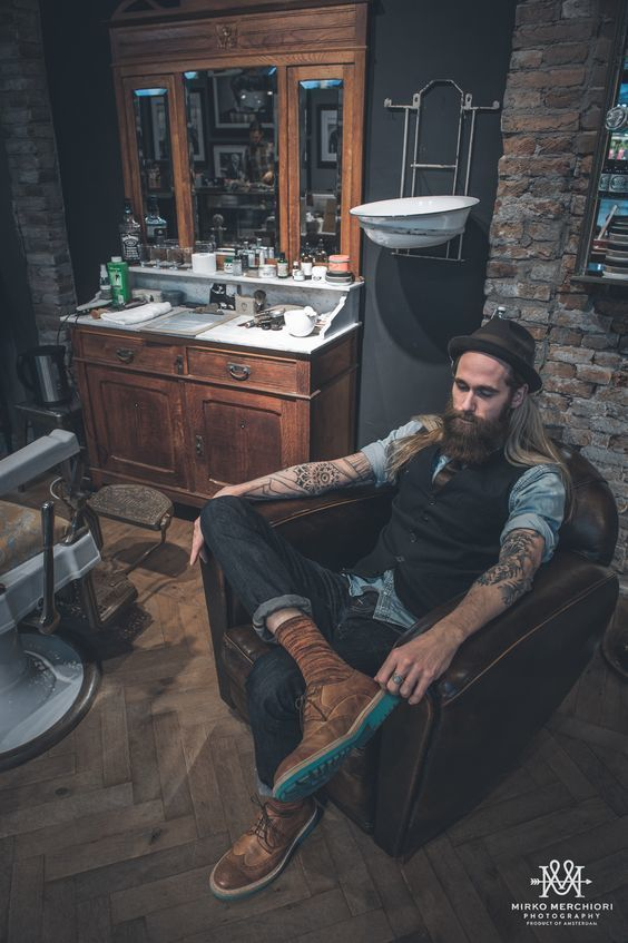 Tim at Scheersalon a/d Stationstraat - © Mirko Merchiori Photography ✧ #beards #beardking #beard #menswear #mens #fashion #tattooes