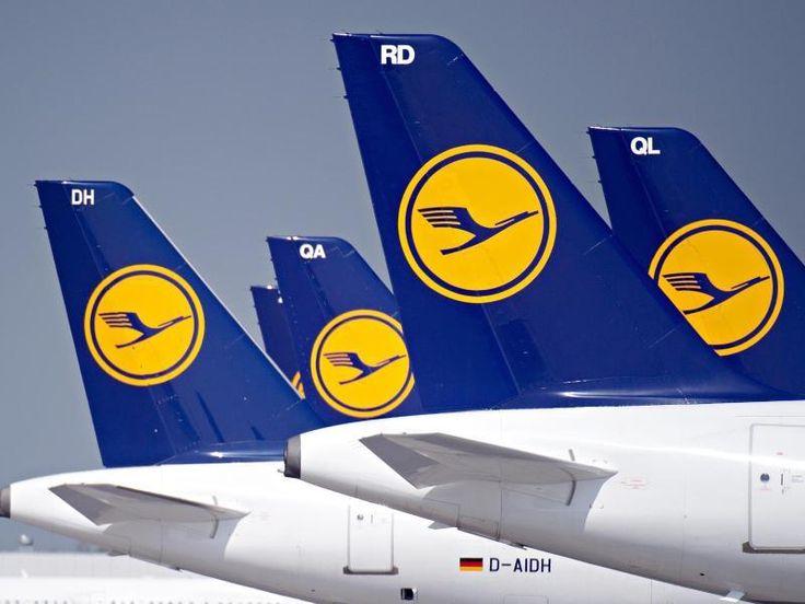 #SZ   #Piloten grummeln #ueber #Tarif Kompromiss #mit #Lufthansa   Frankfurt/Main.  In #der Pilotengewerkschaft Vereinigung Cockpit (VC) regt #sich Unmut #ueber #den #mit #der #Lufthansa grundsaetzlich vereinbarten Tarifkompromiss #aus #dem Fruehjahr. dpa   Vor allem juengere Flugzeugfuehrer saehen #sich #benachteiligt, #schreibt #das Nachrichtenmagazin #Der #Spiegel. Dies wurde