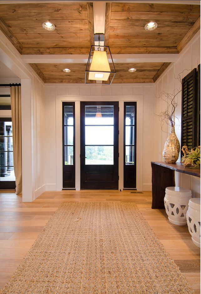 Entryway. Transitional Entryway Ideas. #Entryway #TransitionalInteriors