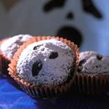 Spøgelsesmuffins - Opskrifter  http://www.dansukker.dk/dk/opskrifter/spoegelsesmuffins.aspx #muffin #spøgelse #kage #uhyggeligt #halloween #opskrifter #inspiration #dansukker