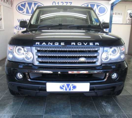 """2008 Range Rover Sport 2.7 TDV6 HSE 5-dr auto. estate. Finished in metallic black with black leather interior and 22"""" Stormer alloys."""