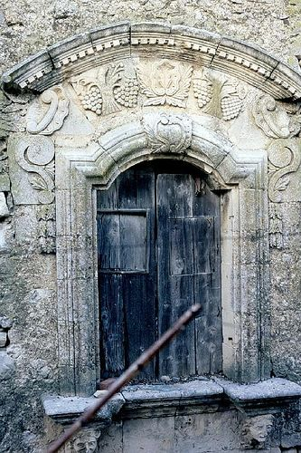 Buscemi - Sicilia: Doors Window, Sicily Italy, Doors And Window, Regions Italy, Sicily Regions, Buscemi, Italy Siracusa, Beautiful Scarves, Sicily