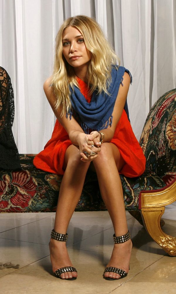 Olsens Anonymous Blog Ashley Olsen Red Orange Mini Dress Black And Silver Studded Sandals Manolo Blahnik Blue Scarf Elizabeth And James Wavy Hair Long Bob Hair Cut Style Soft Waves Blonde Hair photo Olsens-Anonymous-Blog-Ashley-Olsen-Red-Orange-Dress-Studded-Sandals-Manolo-Blahnik-Blue-Scarf-Elizabeth-And-James.jpg