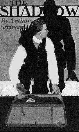 La imagen muestra la portada de un libro. El título (The Shadow) aparece en la parte superior. El resto del espacio está ocupado por la imagen de un hombre inclinado sobre una maleta abierta.  Está girado parcialmente hacia atrás. Y es que detrás de él vemos la sombra de otro hombre tocado con un sombrero que alza una mano amenazante sobre él.