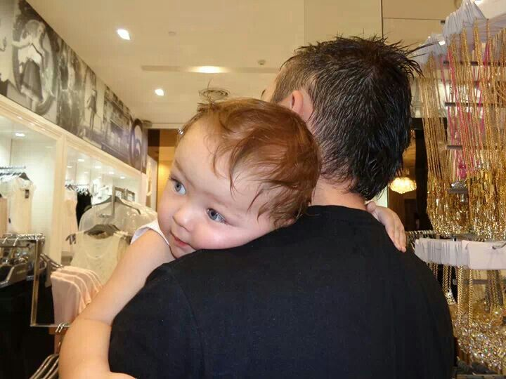 Little Darcy holding tight to uncle Michael♡