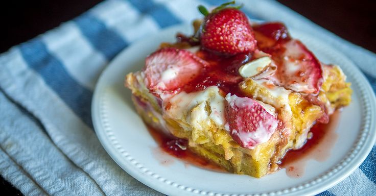 Strawberry Cheesecake French Tiast Casserile - If You Love Strawberry Cheesecake, Then This Is The Breakfast For You!