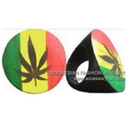 Wooden airbrushed rasta colors ,#THANKSZAYNFORMAKINGYOURIGPUBLIC,#MentionThePersonThatYouLoveOnTwitter,#toomanyimmigrants