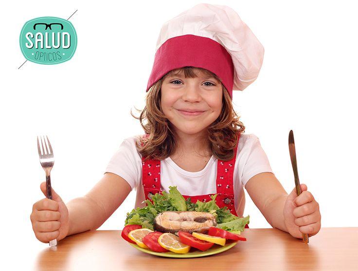 ¡La #alimentación es super importante para nuestra #salud! Los ácidos grasos Omega-3 te ayudan reforzar el corazón y el cerebro pero... ¿#Sabíasqué están cargados de #antioxidantes que te protegerán de sufrir enfermedades visuales?  ¡Además de disminuir la sequedad ocular! Comer pescado 🐟 te ayudará a proteger tus ojos, Así que... ¡Buen provecho! ;) #consejosvisuales #saludvisual Salud Ópticos #ÓpticaEnCórdoba