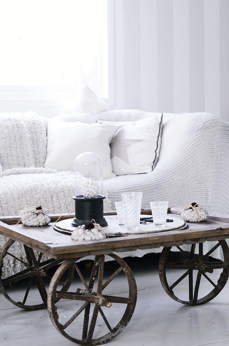 Home made table, diy, table, bord, järnhjul, iron well, bohemian, interior, living room, vardagsrum, soffbord