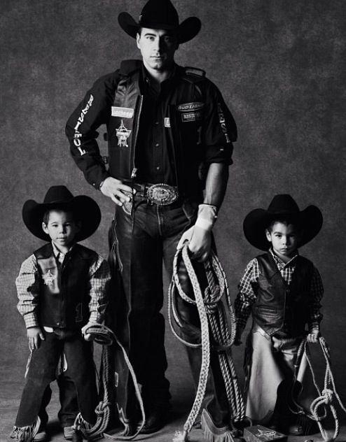 Pin by Julie Barry on Western | PinterestAdriano Moraes Bull Rider