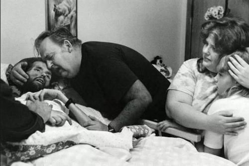 """HIV/AIDS activist David Kirby on his deathbed: """"the picture that changed the face of AIDS"""", April 1990."""