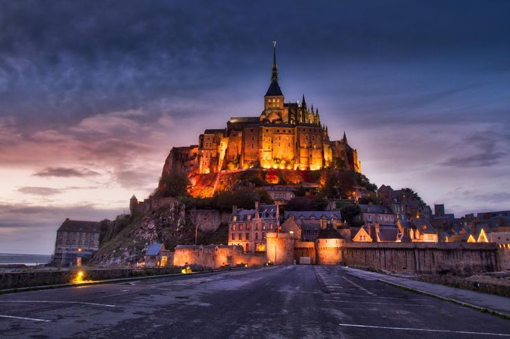 The Mont-Saint-Michel! If you follow me for a little bit you probably know how much I love this place! It is so magical and like no other place! It is always a pleasure to shoot or retouch this beautiful village. If you want to see how I retouched this photo you can check out my HDR master class course in my bio! #photoserge #montsaintmichel #village #view #bluehour #HDR #monument #capture #magical #light #france #topfrance