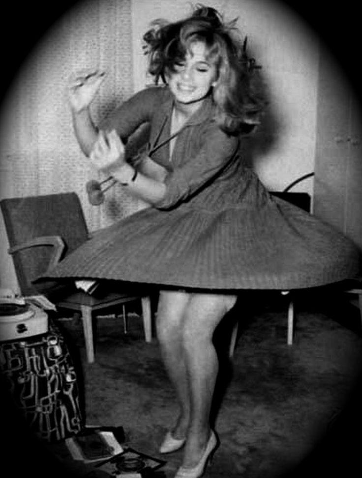 Greek actress, Aliki Vougiouklaki (1934-1996). ☀