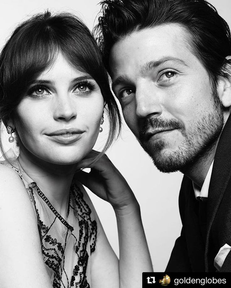 #Repost @goldenglobes with @repostapp  Felicity Jones and Diego Luna (Rouge One - Star Wars) at the 2017 Golden Globes. Photo by @mertalas and @macpiggott.