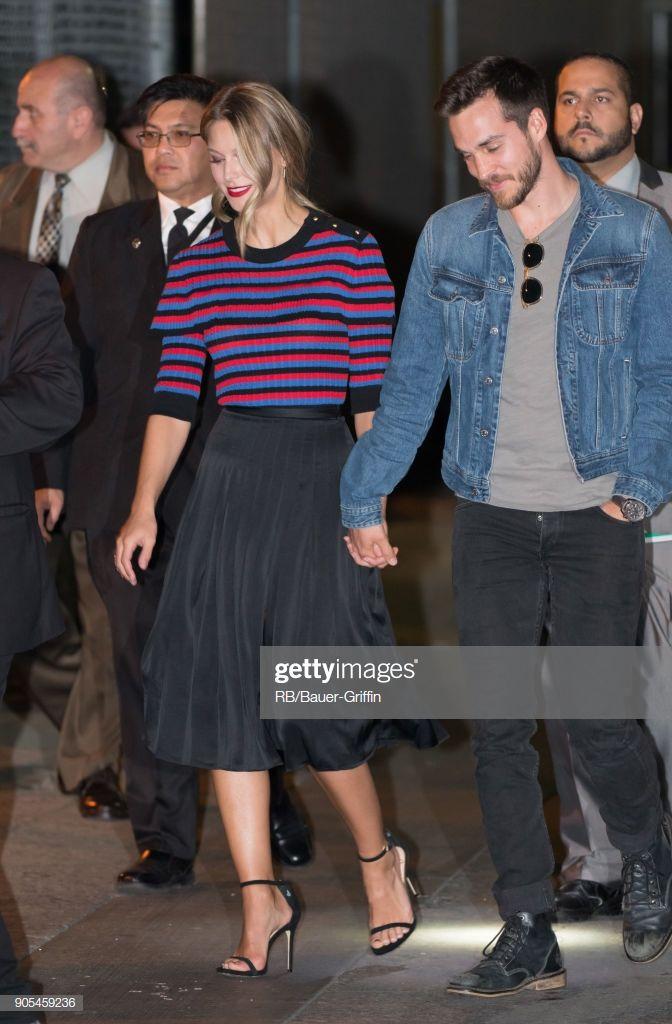 Melissa Benoist And Chris Wood Are Seen At Jimmy Kimmel Live On Super Heroi Herois Melhor Casal