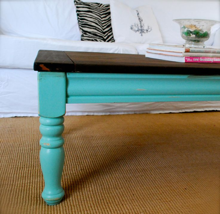 gammelt sofabord malet #spisebord bliver til sofabord