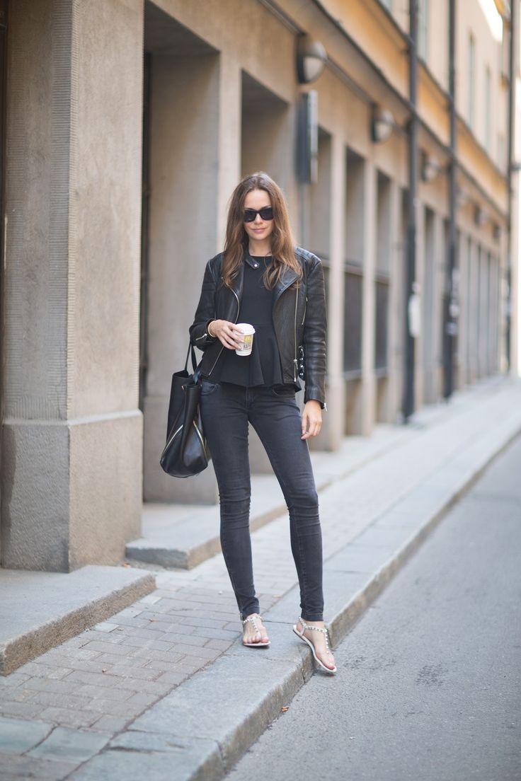 cool: 495 00 Balenciaga, Style, Balenciaga Golden, Caroline Blomst, Jeans, Leather Jackets, Thongs Sandals, Caroline Mode, Browsi Shoppabl
