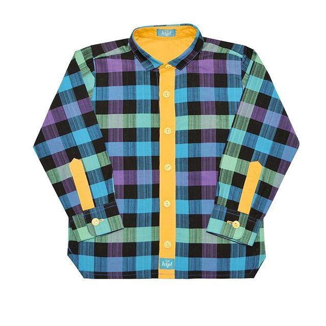 Рубашки с желтой отделкой в наличии. Кстати, наш повтор👍 после хороших продаж первой партии😉 И мы готовим сейчас к лету еще 4 новые яркие рубашки✌ помимо тех двух, которые недавно выкладывали. Ну, конечно, еще и будут низы к этим рубашкам. Новые шорты и брюки уже в производстве🔥 ▫▫▫ Рубашка 1260 руб. Размеры: 86,92,98,104,110