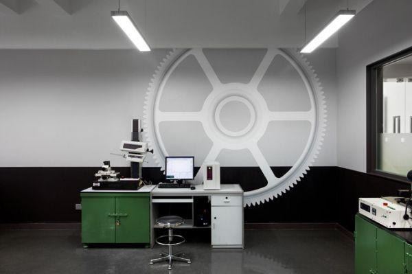 Динамичный корпоративный дизайн штаб-квартиры компании KH Gears (8 фото)
