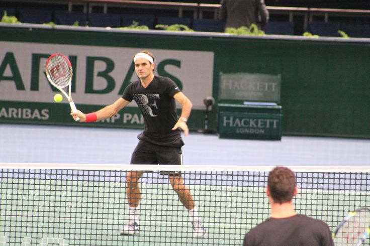 Bercy 2013: Roger Federer at practice | Tennis Buzz
