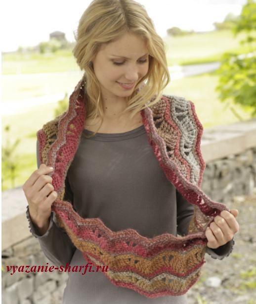 вязаный шарф хомут крючком из пряжи секционного крашения