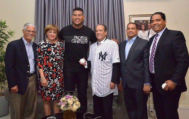Iván Nova visita a Reinaldo Pared; cree los Yanquis de Nueva York tienen chance