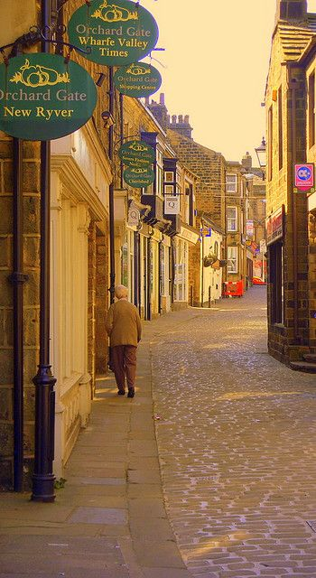 A Street In Otley, West Yorkshire. Our tips for 25 fun things to do in England: http://www.europealacarte.co.uk/blog/2011/08/18/what-to-do-england/