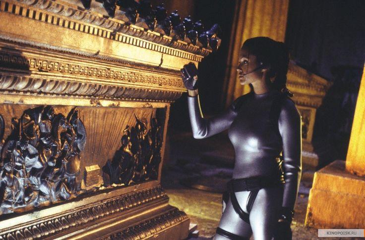 Лара Крофт: Расхитительница гробниц 2 – Колыбель жизни