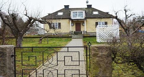 Bild på hus i Tullinge