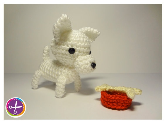 Chihuahua Dog & Food Bowl with Bone Amigurumi