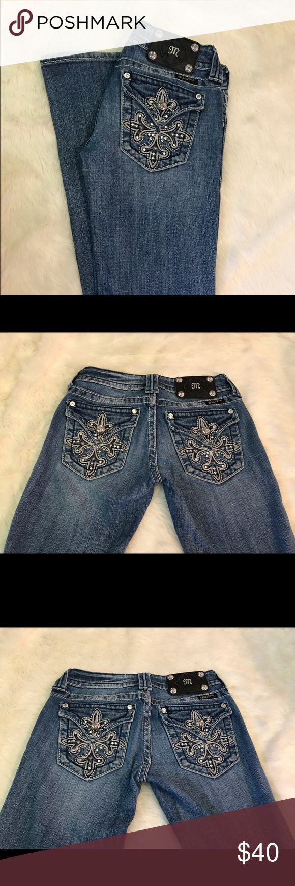 Miss Me Jeans Cute Light Wash Jeans- Missing one stone one the back pocket. Good Condition other than that Miss Me Jeans Boot Cut