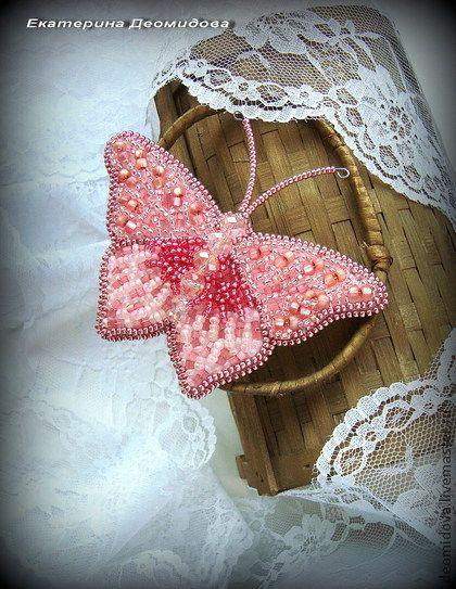 """Броши ручной работы. Ярмарка Мастеров - ручная работа """"Rosalie"""" брошь в виде бабочки. Handmade."""