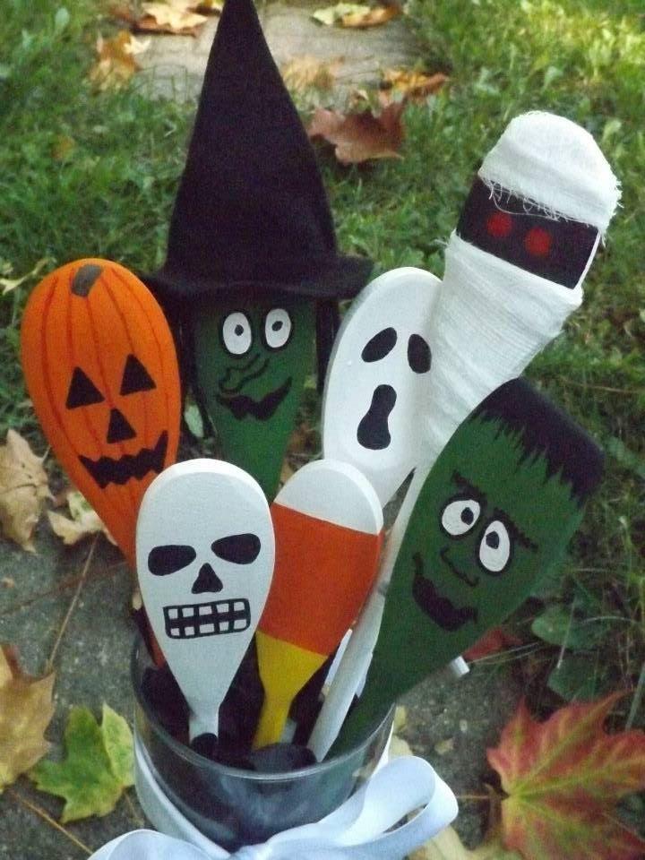 Handpainted Halloween wooden spoons For sale! https://www.facebook.com/GlassOwlArts