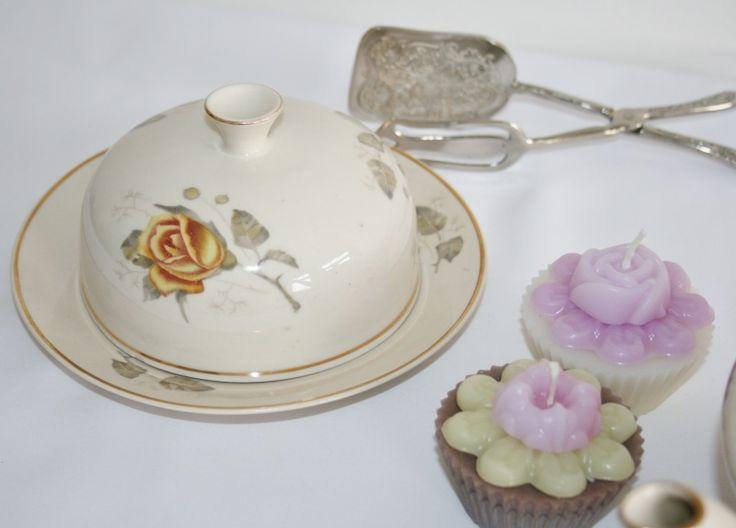 Ronde botervloot met gele Engelse rozen | Vintage servies | Homi Articles