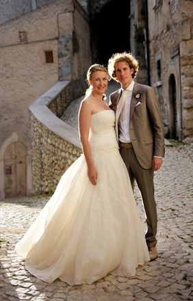 2964603bae33e1b190e1ccc6da1329a1  champagne dress groom wear - second wedding dresses beach