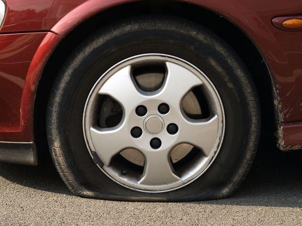 Humour Asile: Astuce de fous et pneu crevé