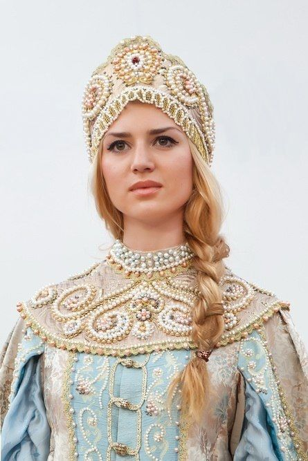 Eira russian blue and gold princess so many pearls fairy tale fashion