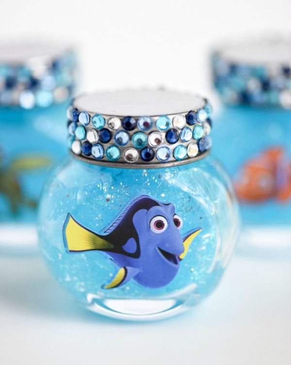 DIY Dory Glitter Slime Globes, Finding Dory Birthday Party Ideas | Pretty My Party