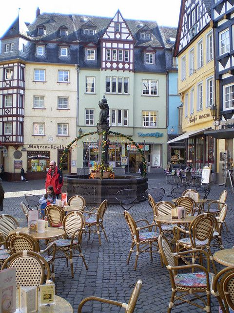 Street cafe in Marktplatz, Cochem, Rhine Valley, Germany