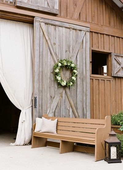 pretty barn reception details | Mandy Busby #wedding