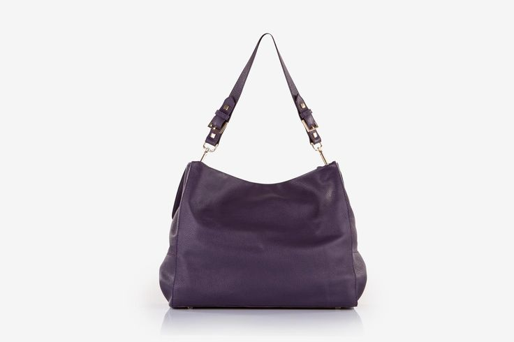 Minerva in purple pebbled calf leather - Back view.
