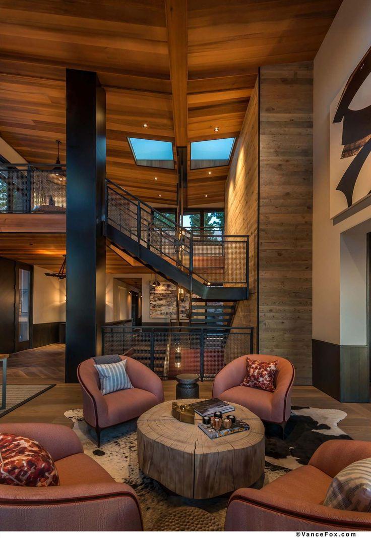 Der Rückzugsort in den Bergen Nordkaliforniens zeigt beeindruckende Designdetails